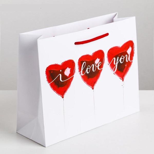 Пакет ламинированный горизонтальный «Любовь повсюду», 26 × 30 × 9 см
