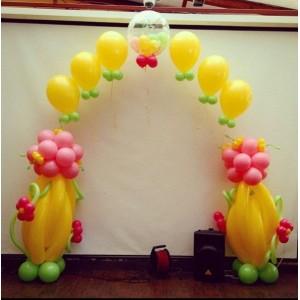 Цветочная арка с гелиевой цепочкой